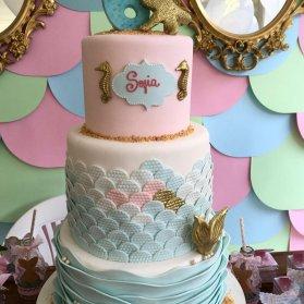 کیک چند طبقه فانتزی جشن تولد دخترونه با تم پری دریایی و موجودات دریایی