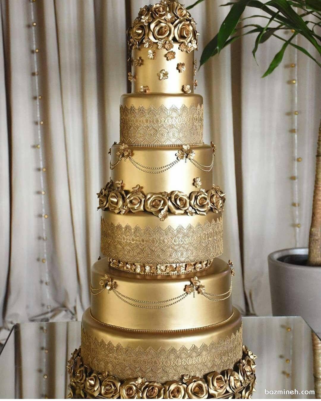 کیک منحصر به فرد و باشکوه جشن نامزدی یا عروسی با تم طلایی