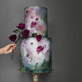 کیک دو طبقه جشن تولد یا سالگرد ازدواج با طرح های خاص