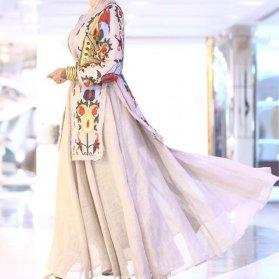 مانتو و دامن کنفی کرم رنگ کار شده مناسب برای عروس خانم ها در مراسم عقد محضری