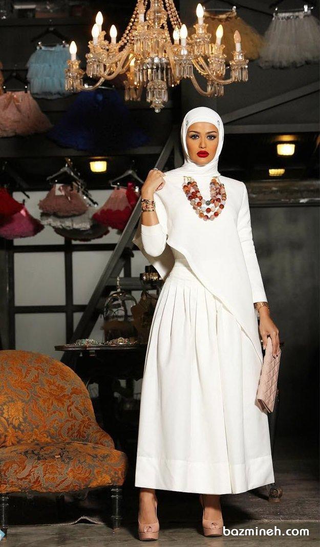 بلوز و دامن شیک سفید رنگ مدلی زیبا برای عروس خانم ها در مراسم عقد محضری