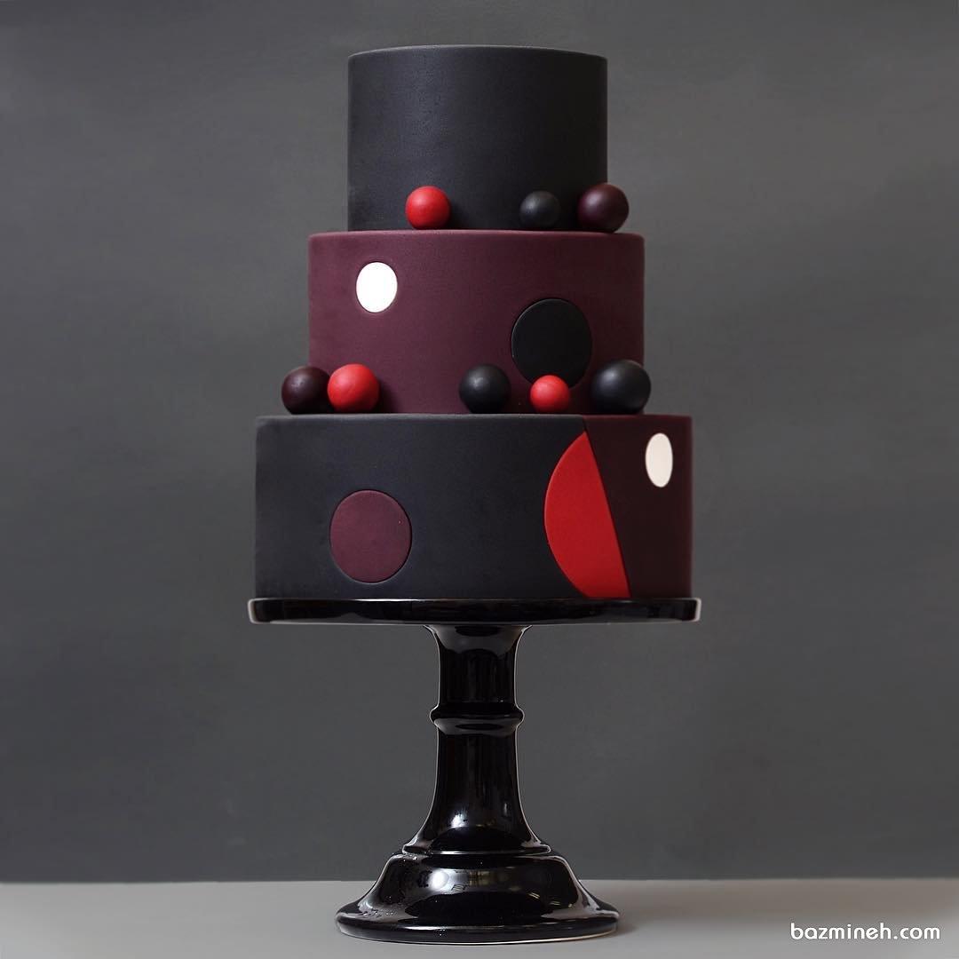 کیک فوندانت خاص جشن تولد بزرگسال با تم قرمز مشکی