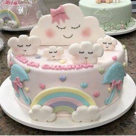 مینی کیک رویایی جشن تولد دخترونه با تم ابر و رنگین کمان