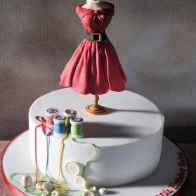 کیک زیبای جشن تولد بزرگسال مناسب برای خانم های خیاط