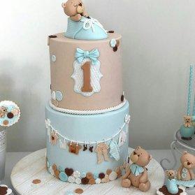 کیک دو طبقه فوندانت جشن تولد یکسالگی پسرونه با تم خرس تدی