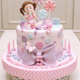 مینی کیک فانتزی جشن تولد دخترونه با تم یاسی صورتی