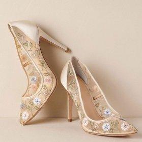 مدل کفش عروس شیری رنگ توری گلدوزی و سنگدوزی شده