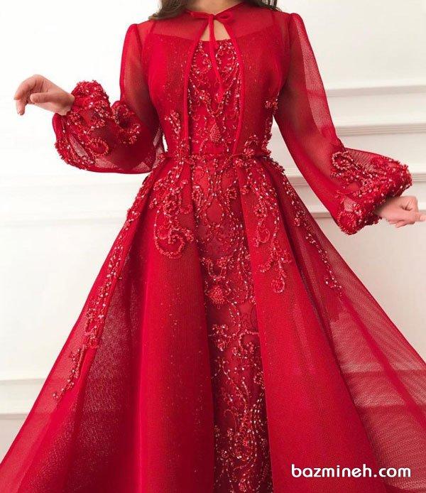 پیراهن مجلسی دو تیکه با پارچه حریر قرمز رنگ سنگدوزی شده مدلی پوشیده و زیبا برای عروس خانم ها در مراسم عقد محضری به عنوان مانتو عقد