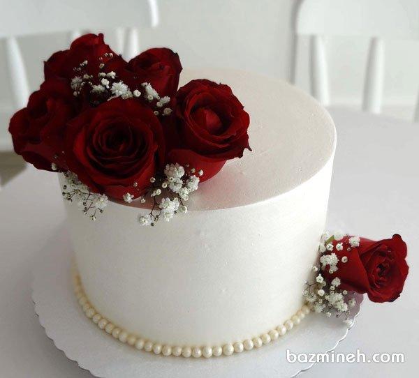 مینی کیک رمانتیک جشن تولد یا سالگرد ازدواج با دیزاین گلهای رز قرمز