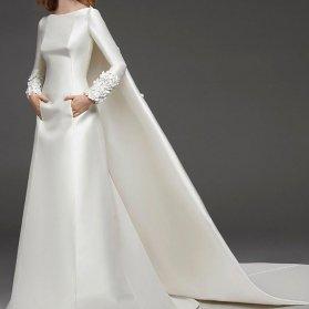 مدل ساده و خاص لباس نامزدی با پارچه ساتن آمریکایی سفید رنگ زیبا برای عروس خانم های محجبه
