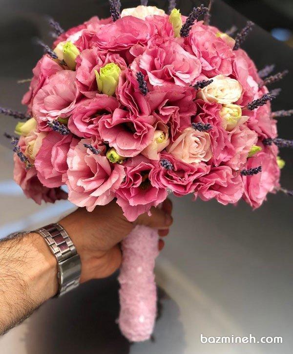 دسته گل فانتزی عروس با تم صورتی