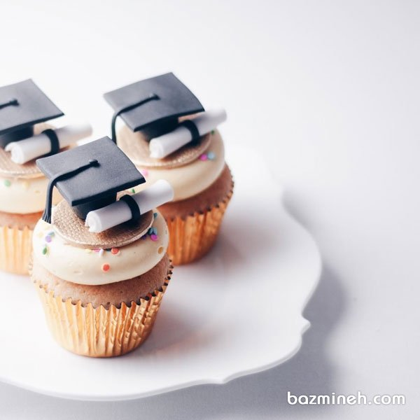 کاپ کیک های بامزه جشن فارغ التحصیلی