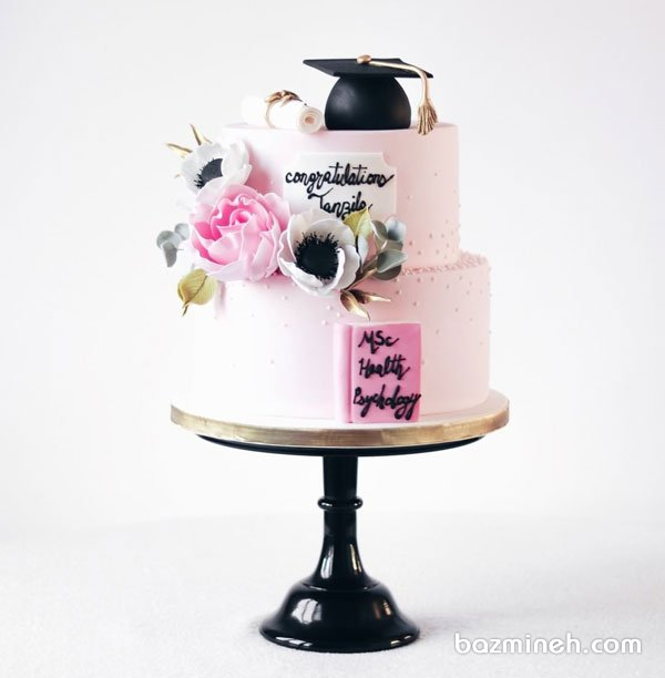کیک دو طبقه جشن فارغ التحصیلی دخترونه با تم صورتی
