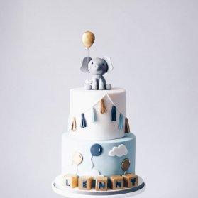 کیک دو طبقه فوندانت جشن بیبی شاور پسرونه با تم فیل کوچولو