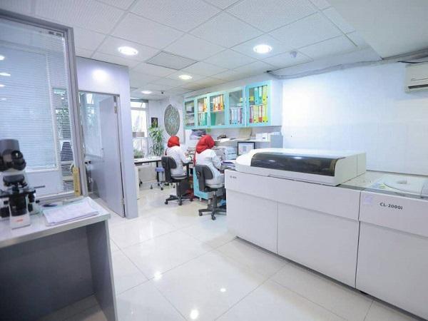آزمایشگاه ژنتیک فردا