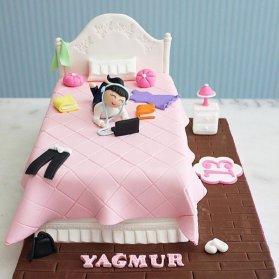 کیک فوندانت عروسکی جشن تولد دخترونه
