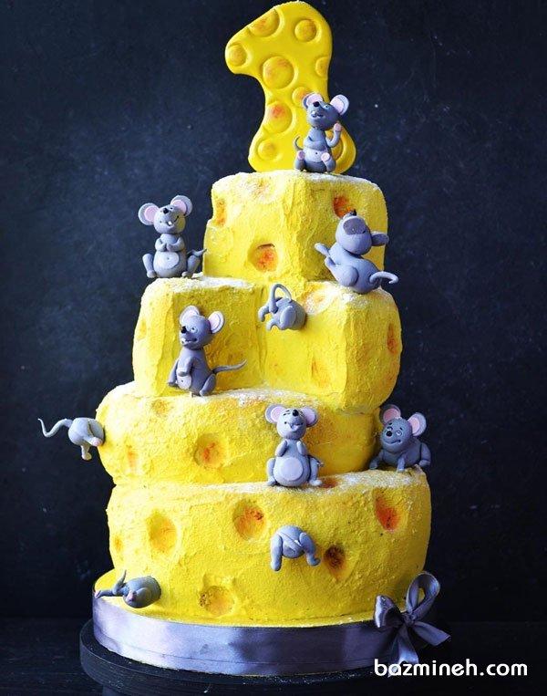 کیک چند طبقه فوندانت فانتزی جشن تولد کودک با تم موش و پنیر