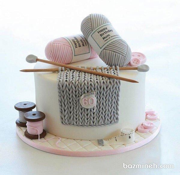 مینی کیک فوندانت جشن تولد بزرگسال با تم زمستونی طوسی صورتی