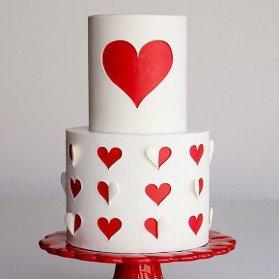 کیک دو طبقه سالگرد ازدواج یا جشن ولنتاین با تم قلب