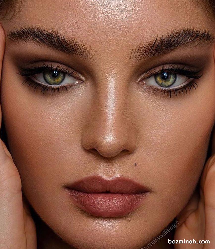 آرایش مد روز با لنز رنگی