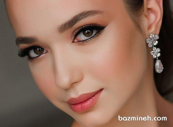 میکاپ هلویی آرایشی زیبا و شیک برای روز فرمالیته عروس خانم ها