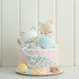 مینی کیک بامزه جشن تولد کودک با تم پیشی و کاموا