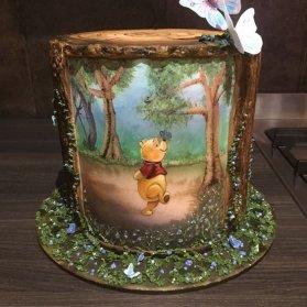 کیک فوندانت جشن تولد کودک با تم پو