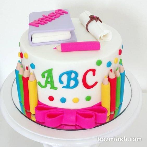 کیک فوندانت جشن الفبا کودک با تم رنگارنگ