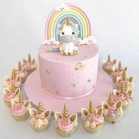 کیک و کاپ کیک های عروسکی جشن تولد دخترونه با تم یونیکورن و رنگینکمان