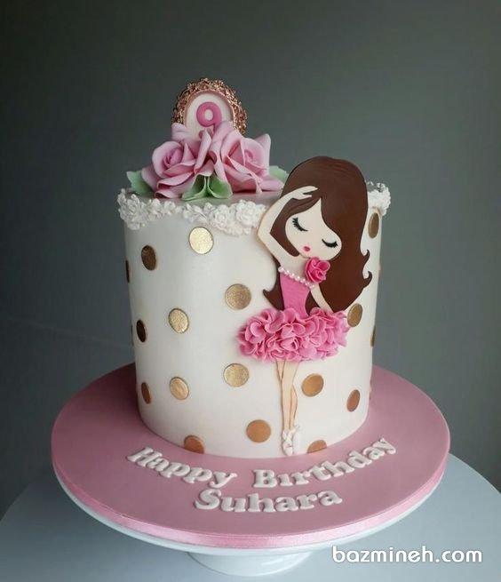 کیک فوندانت جشن تولد دخترونه با تم سفید صورتی