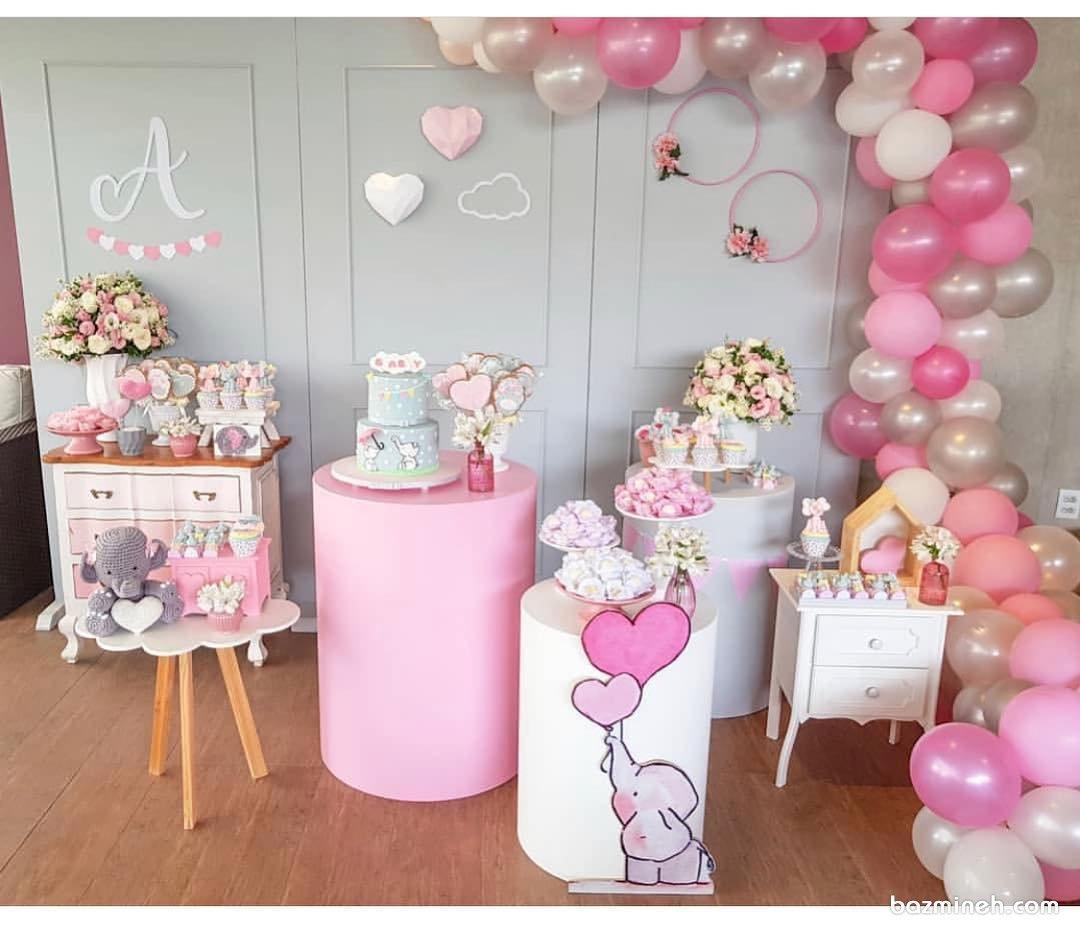 دکوراسیون و بادکنکآرایی جشن تولد دخترونه با تم فیل کوچولو سفید صورتی