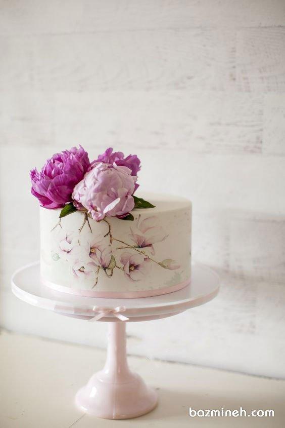 مینی کیک رمانتیک جشن تولد بزرگسال یا سالگرد ازدواج با تزیین گلهای طبیعی