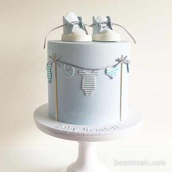 کیک جشن بیبی شاور پسرونه با تم آبی سفید
