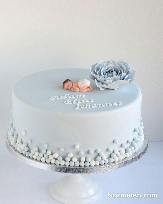 کیک خامهای جشن بیبیشاور پسرونه با تم آبی