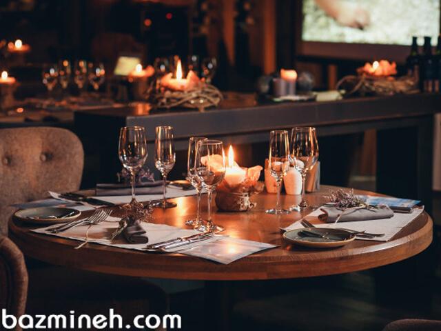 آداب غذا خوردن در رستورانهای مجلل و مهمانیهای مهم