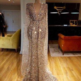 لباس مجلسی ماکسی با پارچه پولکی طلایی مناسب برای لباس نامزدی