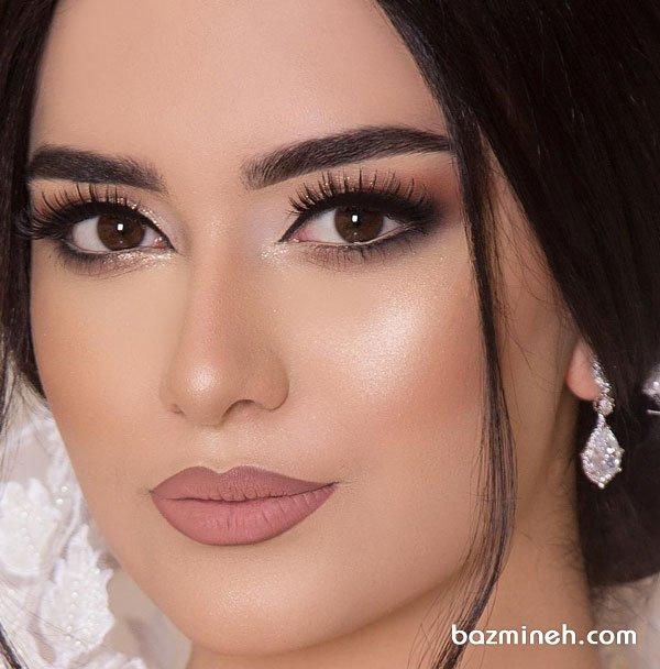 مدل آرایش شیک عروس با موی مشکی