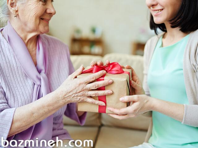 برای اولین عید برای عروس خانم عیدی چه چیزهایی میبرند؟