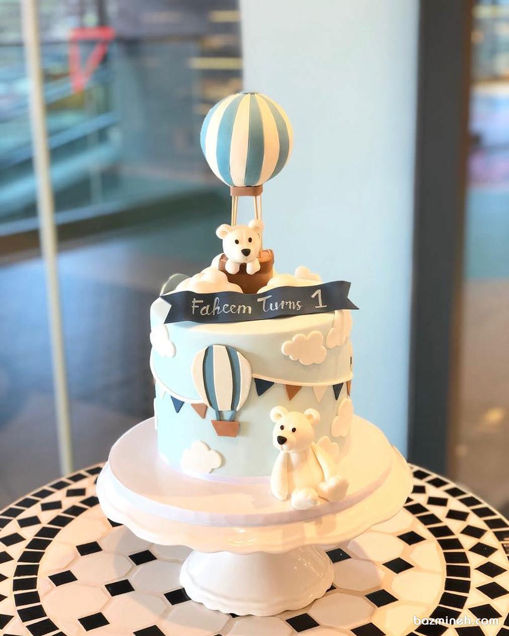 مینی کیک فوندانت جشن تولد کودک با تم خرس تدی و بالن