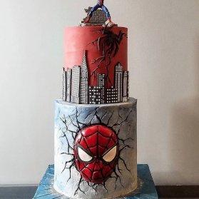 کیک دو طبقه فوندانت جشن تولد پسرونه با تم مرد عنکبوتی (Spider Man)