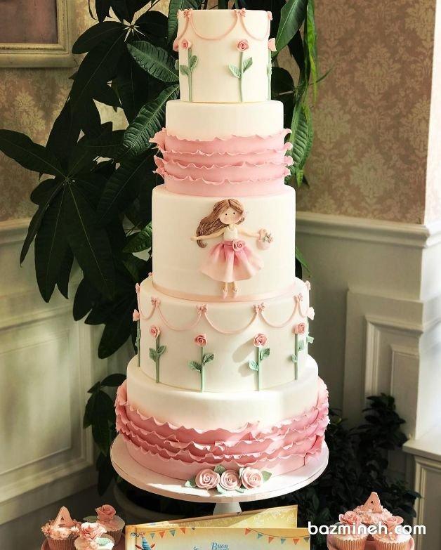 کیک چند طبقه جشن تولد دخترونه با تم سفید صورتی