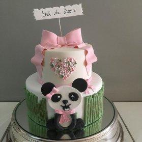کیک دو طبقه فوندانت جشن تولد دخترونه با تم پاندا