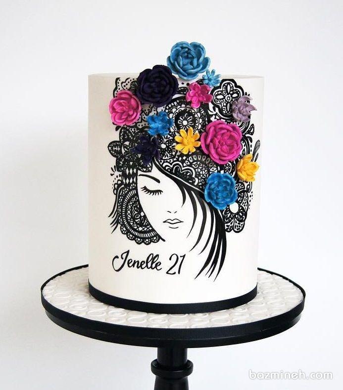 کیک یونیک جشن تولد دخترونه با طراحی زیبا و گلهای خامهای