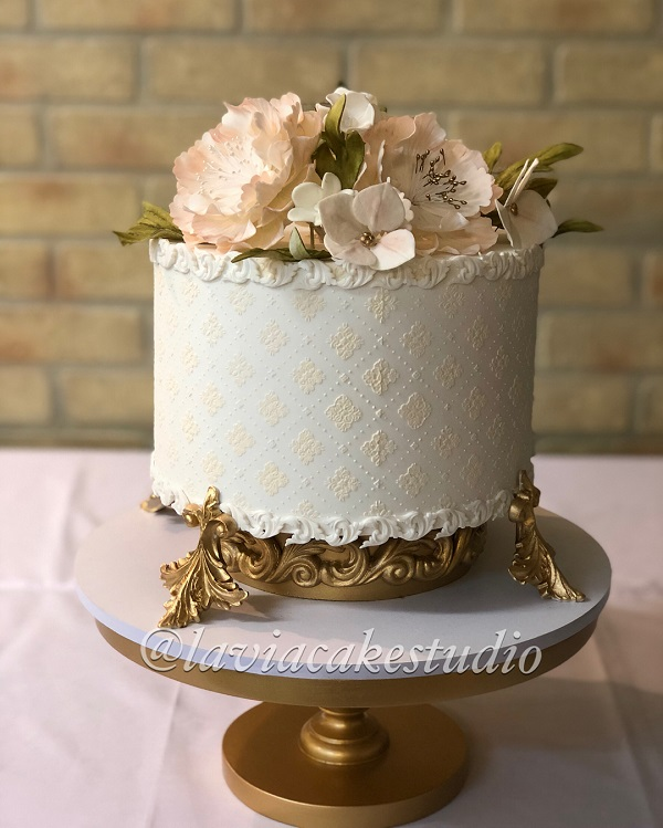 کیک عروسی و تولد لاویا