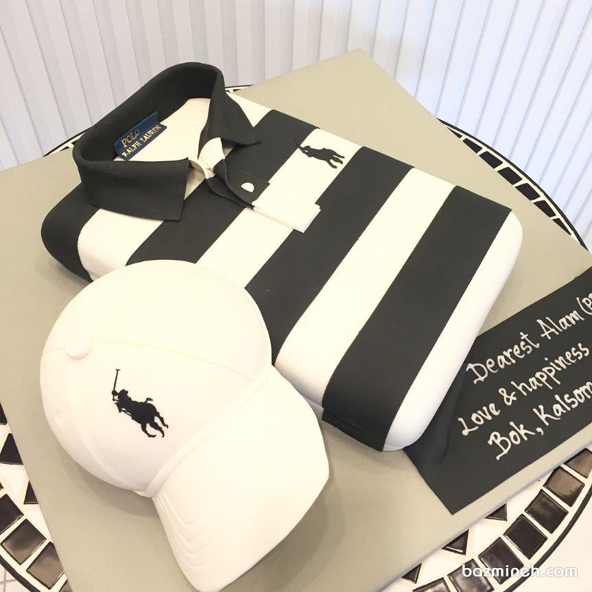 کیک فوندانت جشن تولد پسرونه به شکل تیشرت و کلاه و تم سفید مشکی