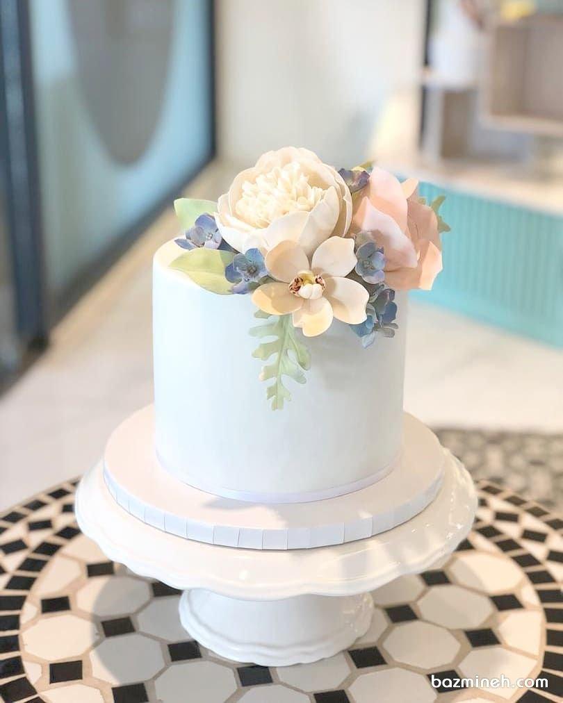 مدل مینی کیک رمانتیک جشن تولد بزرگسال یا نامزدی با تزیین گلهای خمیری