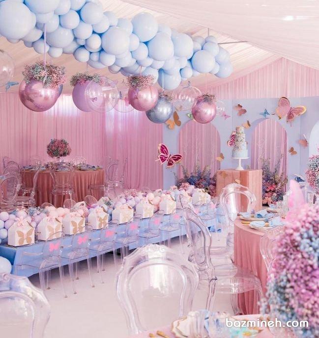 دکوراسیون و بادکنک آرایی رویایی سالن جشن تولد دخترونه با تم پروانه