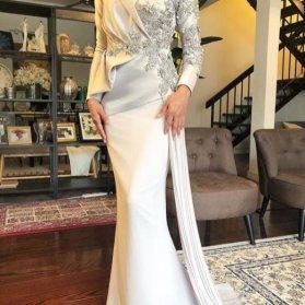 لباس مجلسی ماکسی پوشیده آستین دار با پارچه بژ رنگ سنگدوزی شده مدلی زیبا برای عروس خانمها