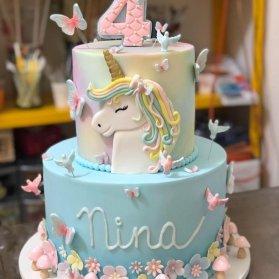 کیک دو طبقه جشن تولد دخترونه با تم اسب تک شاخ (Unicorn)