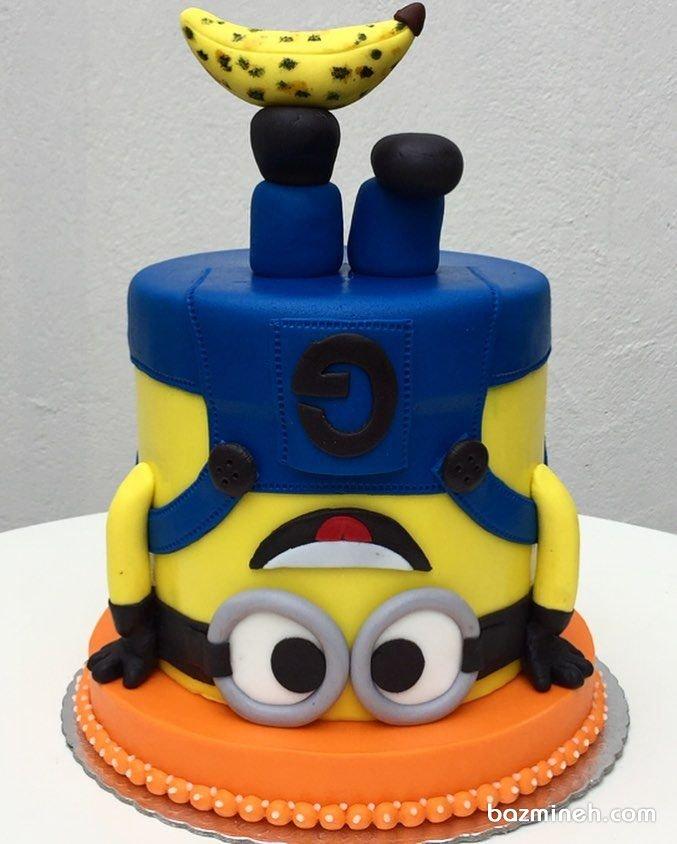 کیک بامزه فوندانت جشن تولد کودک با تم مینیونها (Minions)